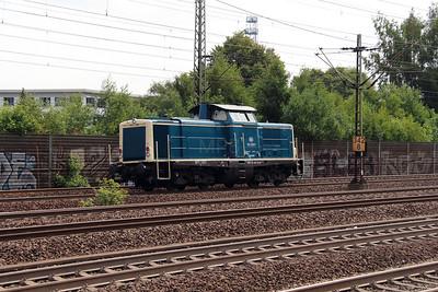 4) 212 329 (92 80 1212 329-7 D-DB) at Hamburg Harburg on 15th July 2013