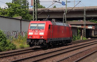 185 338 (91 80 6185 338-1 D-DB) at Hamburg Harburg on 15th July 2013
