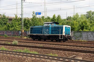 2) 212 329 (92 80 1212 329-7 D-DB) at Hamburg Harburg on 15th July 2013