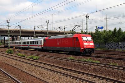 101 023 (91 80 6101 023-0 D-DB) at Hamburg Harburg on 15th July 2013