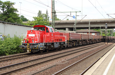 261 027 (92 80 1261 027-7 D-DB) at Hamburg Harburg on 15th July 2013