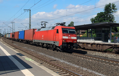 152 161 (91 80 6152 161-6 D-DB) at Rotenburg (Wumme) on 6th August 2013