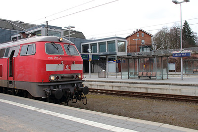 218 470 (92 80 1218 470-3 D-DB) at Lubeck Hbf on 20th March 2016 (3)