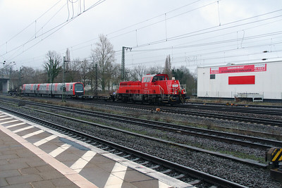 261 092 (92 80 1261 092-1 D-DB) at Meckelfeld on 22nd March 2016 (2)