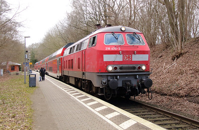 218 470 (92 80 1218 470-3 D-DB) at Sierksdorf on 20th March 2016 (3)