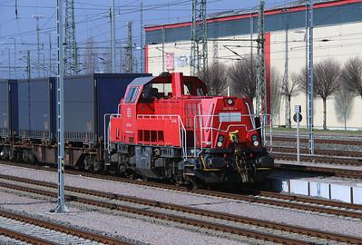 261 062 (92 80 1261 062-4 D-DB) at Erfurt Hbf Depot on 18th March 2016 (1)