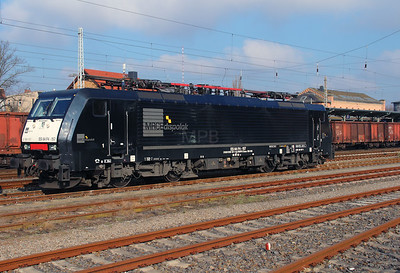 DISPO, ES 64 F4 157 (91 80 6189 157-1 D-DISPO) at Konigs Wusterhausen on 16th March 2016 (4)