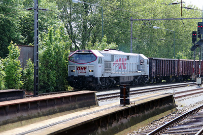 1) OHE, 33094 (92 80 1250 001-5 D-OHEGO) at Osnabruck HBF on 19th May 2014