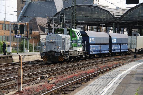 VL, 650 305 (98 80 0650 305-2 D-VL) at Aachen Hbf on 18th May 2016 (2)