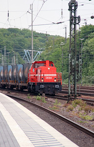 HGK, DE84 (98 80 0272 022-1 D-RHC) at Koln West on 17th May 2016 (1)