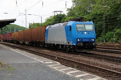 Cross Rail, 185 526 (91 80 6185 526-1 D-XRAIL) at Koln West on 17th May 2016 (2)