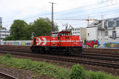 HGK, DE82, 98 80 0272 020-5 D-RHC) at Koln West on 17th May 2016 (3)