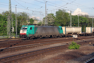 SNCB, 2824 (91 88 7186 216-8 B-B) at Aachen West on 13th May 2016 (2)
