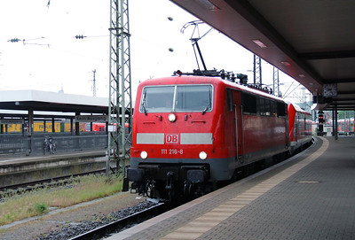 111 216 (91 80 6111 216-8 D-DB) at Wurzburg Hbf on 13th May 2016 working RE4599 (2)
