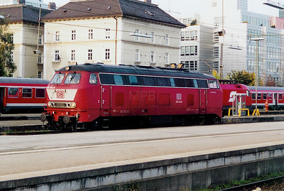218 444 at Munich HBF on 14th October 2003