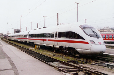 605 516 at Munich HBF on 12th October 2003