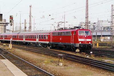 111 207 at Munich HBF on 14th October 2003