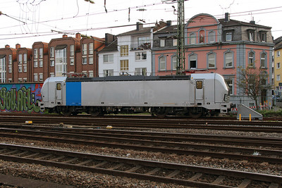 193 811 (91 80 6193 811-7) at Aachen Hbf on 6th October 2014 (5)