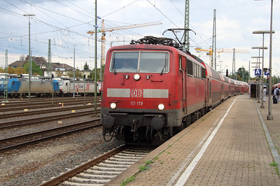 111 119 (91 80 6111 119-4 D-DB) at Aachen West on 6th October 2014 (2)