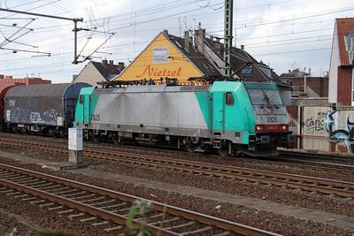 SNCB, 2825 (91 88 7186 216-6 B-B) at Koln Ehrenfeld on 6th October 2014 (4)
