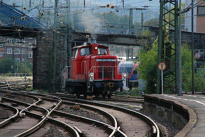 363 824 (98 80 3363 824-4 D-DB) at Aachen Hbf on 6th October 2014 (1)