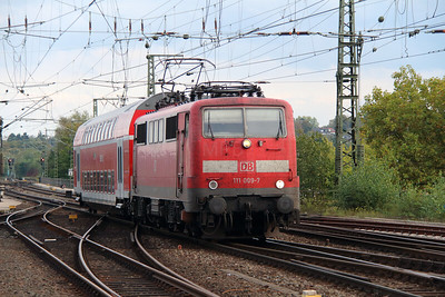 111 009 (91 80 6111 009-7 D-DB) at Aachen Hbf on 6th October 2014 (2)
