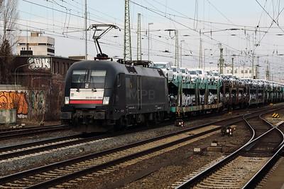 MRCE, ES 64 U2 001 (91 80 6182 501-7 D-DISPO) at Bremen HBF on 17th March 2017 (3)