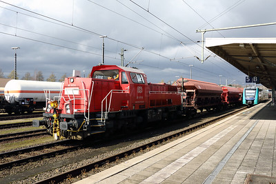 261 017 (92 80 1261 017-8 D-DB) at Itzehoe on 21st March 2017 (2)