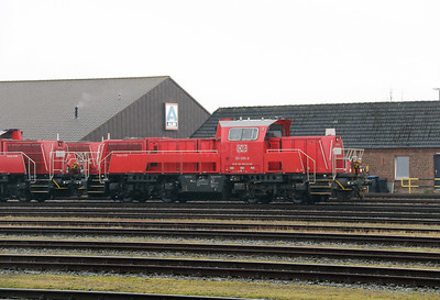 261 099 (92 80 1261 099-6 D-DB) at Itzehoe on 20th March 2017 (2)