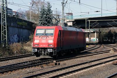 185 216 (91 80 6185 216-9 D-DB) at Hamburg Harburg on 22nd March 2017 (2)