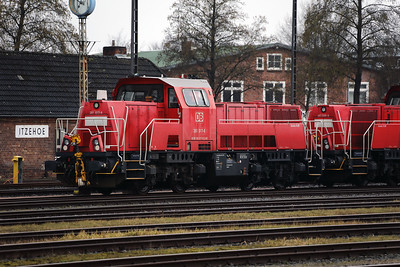 261 017 (92 80 1261 017-8 D-DB) at Itzehoe on 20th March 2017 (1)