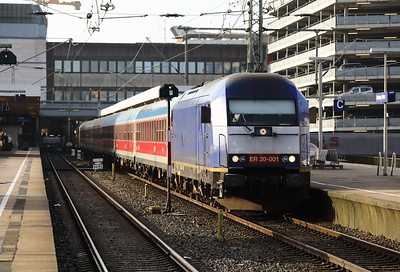 Beacon Rail, ER20 001 (92 80 1223 001-9 D-BRLL) at Hamburg Altona on 21st March 2017 (3)