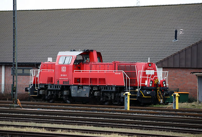 261 040 (92 80 1261 040-0 D-DB) at Itzehoe on 20th March 2017 (2)