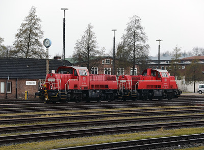 261 017 (92 80 1261 017-8 D-DB) at Itzehoe on 20th March 2017 (2)