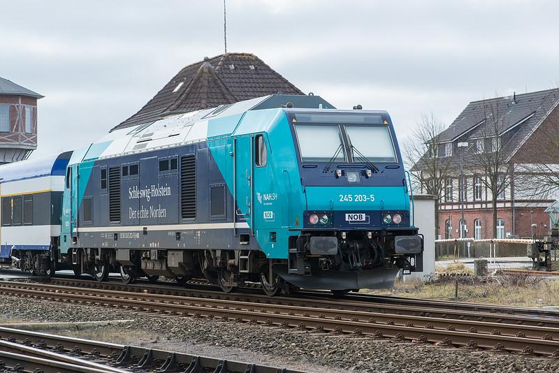 NOB 245-203 Niebull