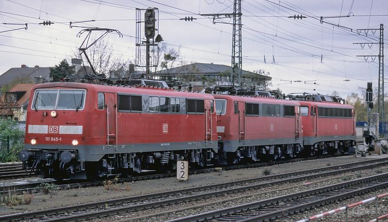 DB 111-045 + 111-071 + 110-292 Munchen Pasing 30 October 2008
