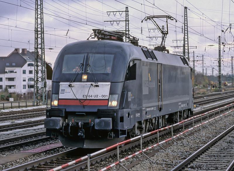 MRCE ES64 U2-001 Munchen Pasing 30 October 2008