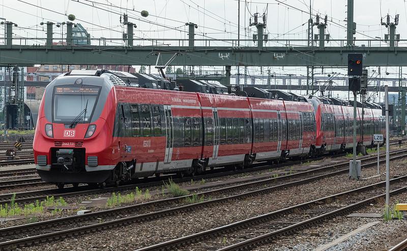 DB 2442-221  M. Donnersbergerbrücke 23 June 2019