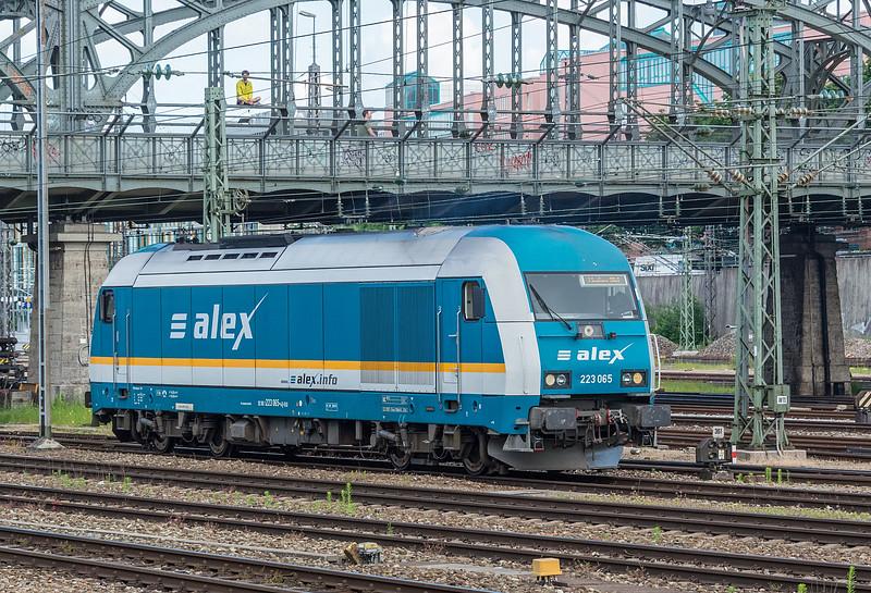 DLB (Alex) 1223-065 M. Hackerbrücke 23 June 2019