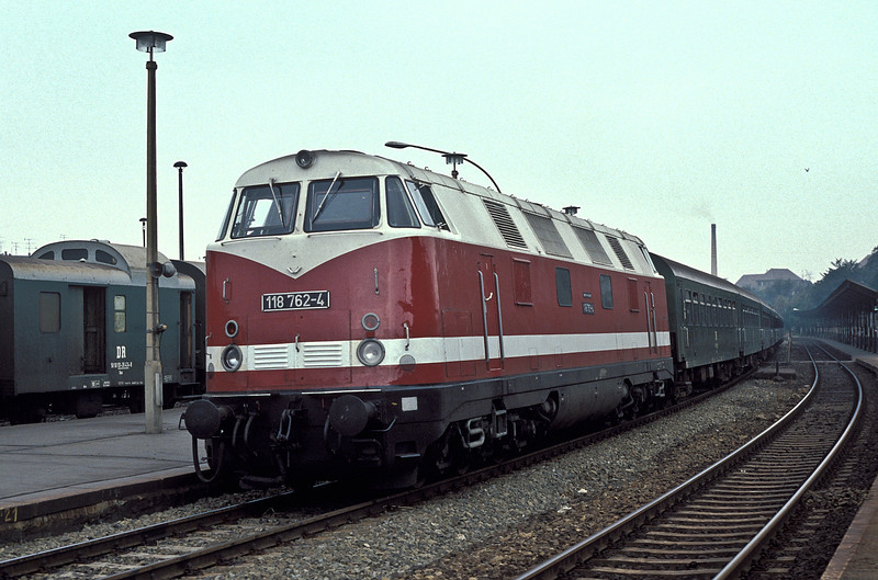 DR 118.762 pauses at Bautzen with train 3805, the 06:57 Dresden to Gorlitz, on 30 July 1990