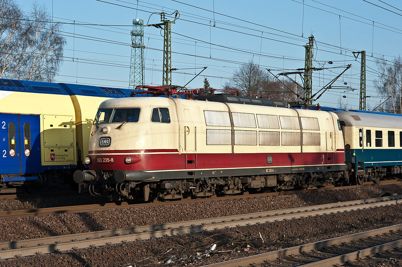 Preserved DB 103.235 arrives at Hamburg Harburg with the Koln to Flensburg IC2410 on 23 March 2012