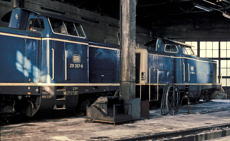 DB 211.357 and 211.360 at tucked away inside the roundhouse at Bw Ulm on 29 January 1989