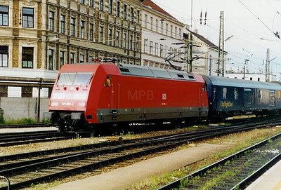 101 065 at Wien Westbahnhof (Austria) on 19th May 2002