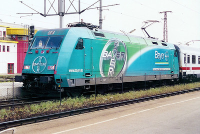101 090 at St Polten HBF (Austria) on 11th May 2002