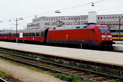 101 034 at Wien Westbahnhof (Austria) on 11th May 2002