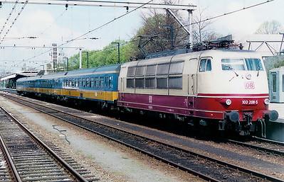 103 208 at Venlo on 18th April 1998