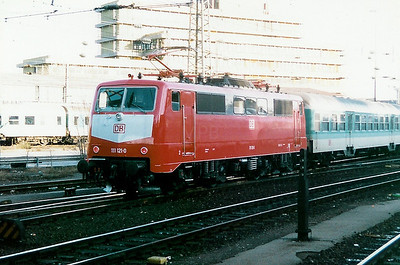 111 121 at Aachen Hbf on 1st February 1998
