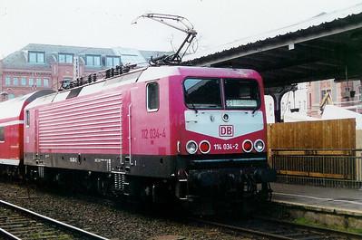 114 034 at Schwerin Hbf on 19th December 2000