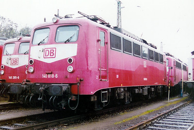 140 818 at Saarbrucken Depot on 24th November 2001