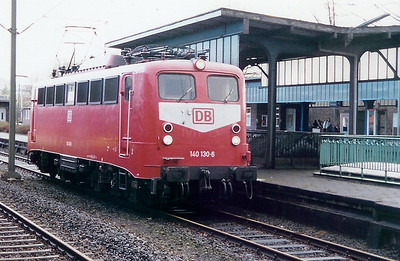 140 130 at Kiel HBF on 10th December 1999